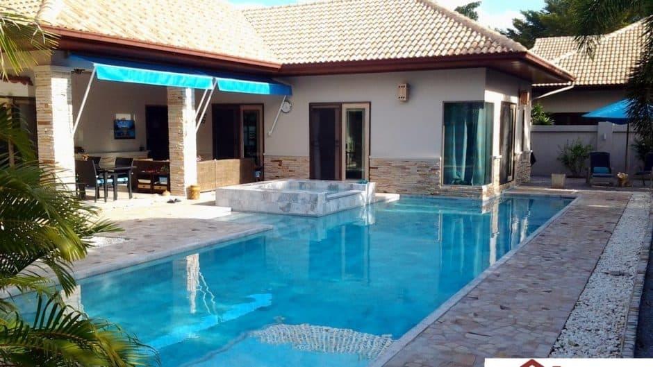 Beautiful 3 Bedroom Pool Villa Mins Away From Pranburi Beach