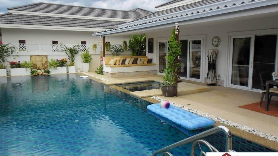 Stunning Hua Hin Pool Villa With Guest House