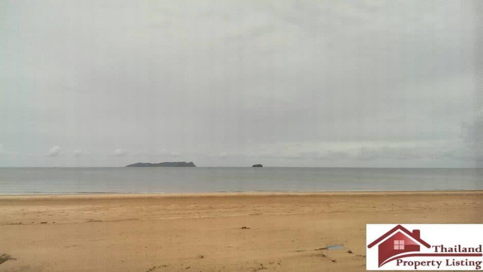 Bang Sa Phan Beachfront Plot For Investment – 14.5 Rai