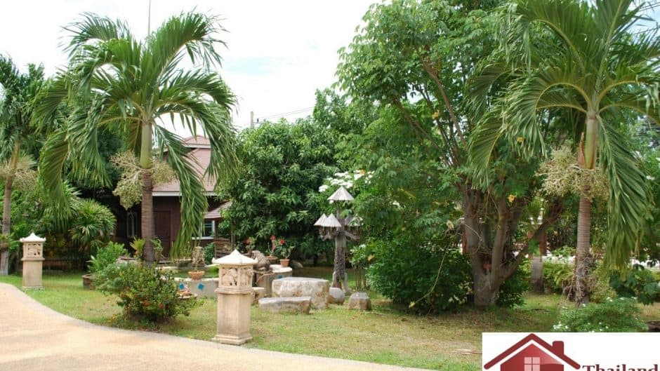 House for Sale In Hua Hin Center Town On A Massive Plot