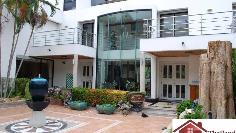 Hua Hin Town Center Huge 5 Bed House On Large Plot For Sale