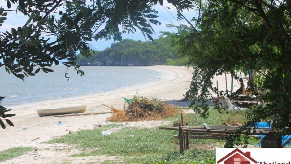 Nice Size Beachfront Plot With A Small House – Kuiburi