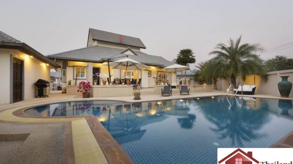 Resale Private Pool Villa On An Established Estate