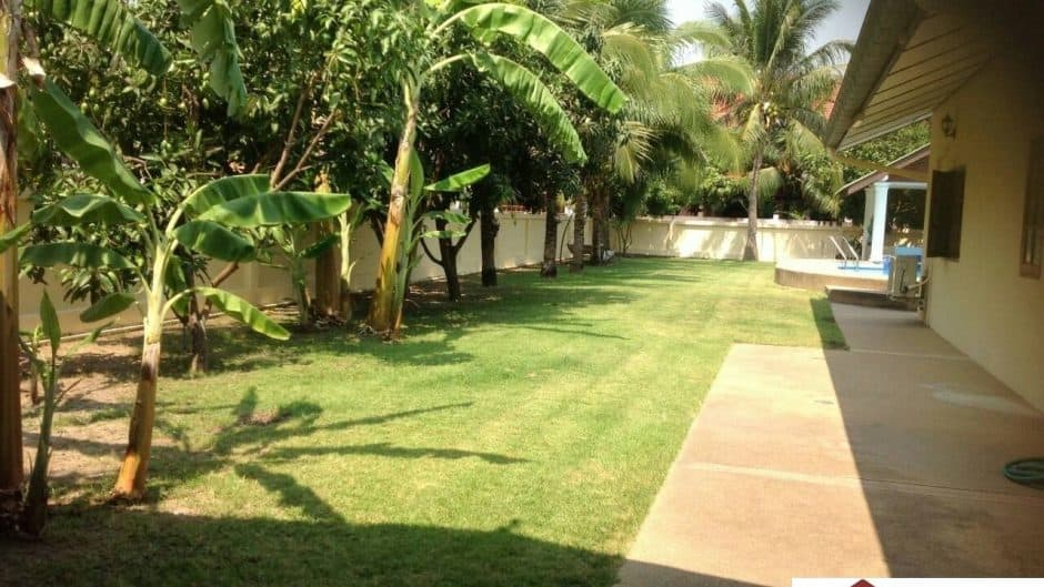 Hua Hin 4 Bed Pool Villa On A Massive Plot