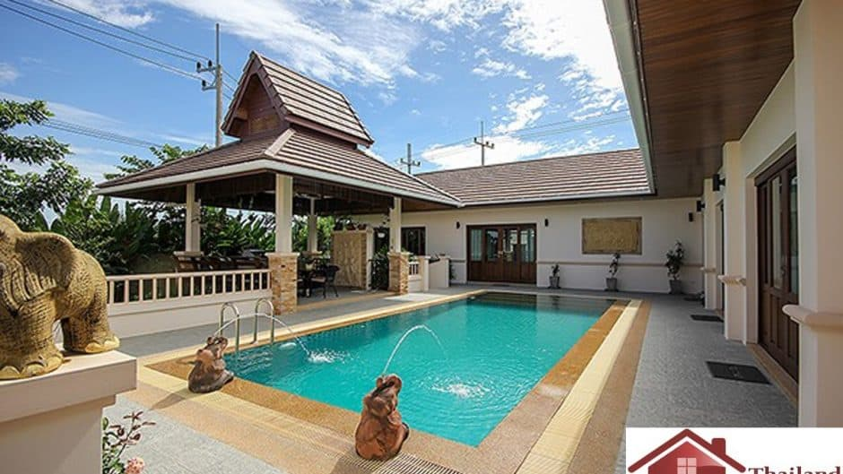 Balinese Style 4 Bed Hua Hin Pool Villa – Great Location