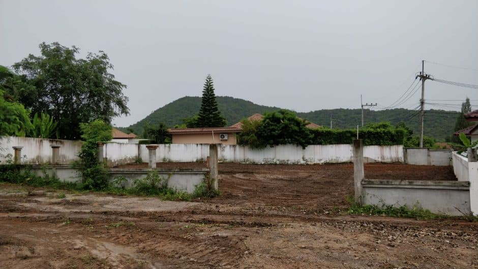 Hua Hin Land Plot In Residential Area Perfect For A Pool Villa